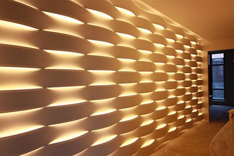 Гипсовая LED-панель «Волна» в интерьере